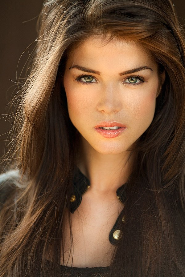 HDCC19W_Marie_Avgeropoulos